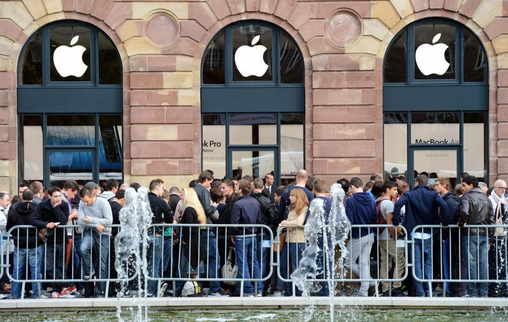 apple-store-iphone-x-queue